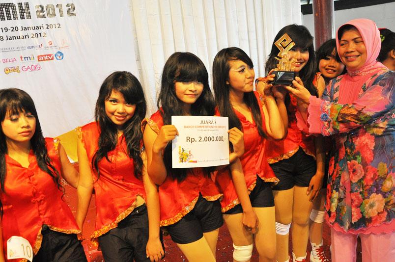 dance93.jpg